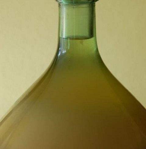 Klaren, stabiliseren en troebels in wijn